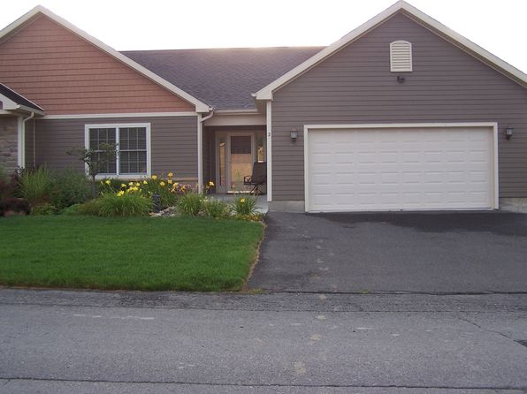 2 bed 2 bath Townhouse at 25 Pebble Ct Slingerlands, NY, 12159 is for sale at 327k - 1 of 3