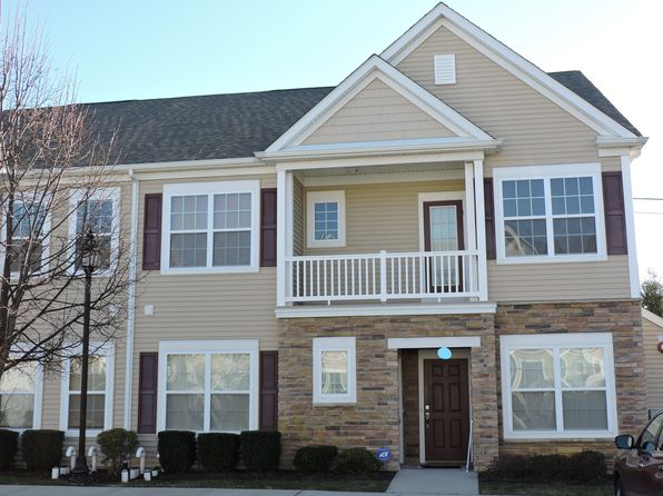 2 bed 2 bath Condo at 38 Southampton Dr Massapequa, NY, 11758 is for sale at 429k - 1 of 66