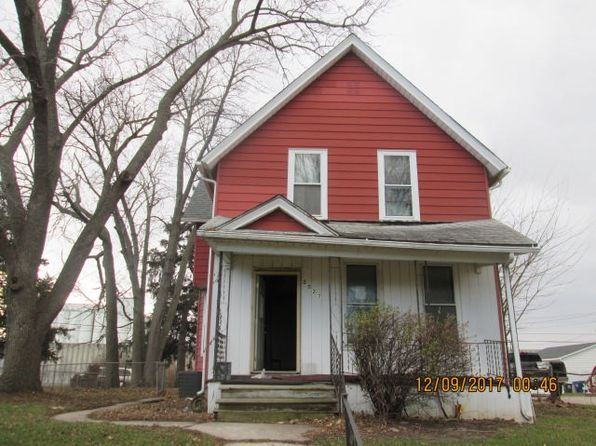 3 bed 1 bath Single Family at 2027 Dixwell St Davenport, IA, 52802 is for sale at 25k - google static map