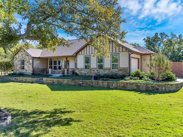 4 bed 2 bath Single Family at 1305 Cottonwood Ln Anderson, TX, 77830 is for sale at 365k - 1 of 32