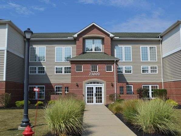 1 bed 1 bath Condo at 23003 Chandlers Ln Olmsted Falls, OH, 44138 is for sale at 75k - 1 of 6