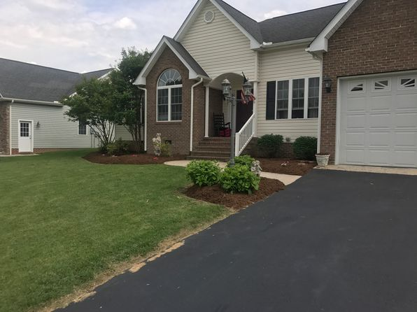 5 bed 4 bath Single Family at 38 Bowmans Run Dr Stuarts Draft, VA, 24477 is for sale at 325k - 1 of 2