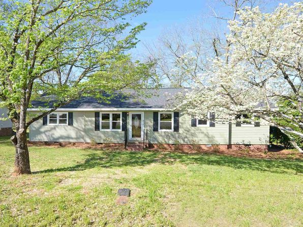 3 bed 2 bath Single Family at 810 Benson St Hartwell, GA, 30643 is for sale at 135k - 1 of 25