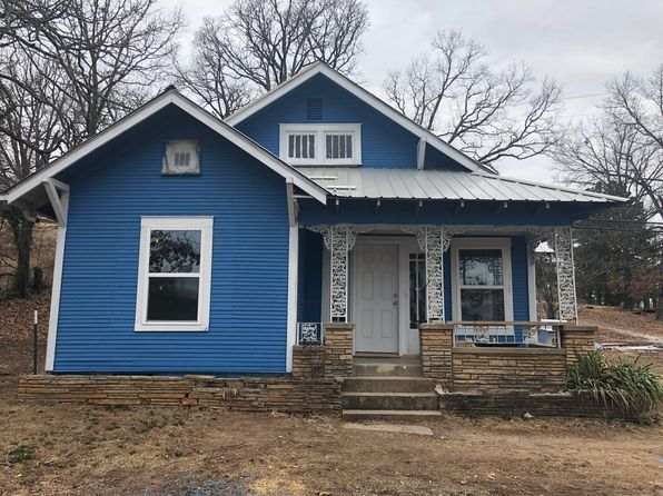 2 bed 1 bath Single Family at 900 W Main St Huntsville, AR, 72740 is for sale at 85k - 1 of 3
