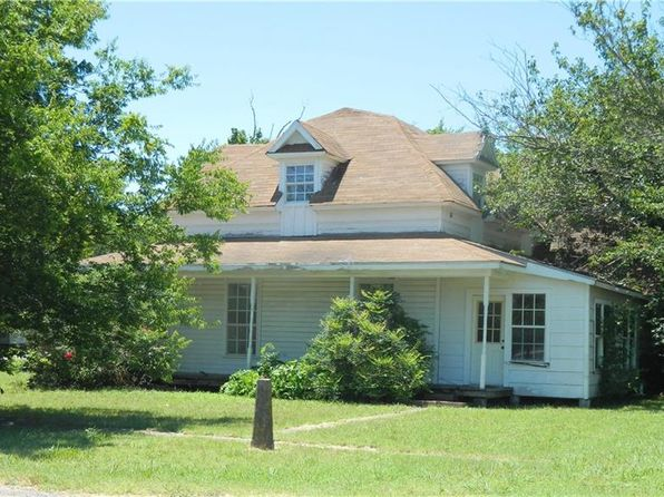 4 bed 1 bath Single Family at 110 E MULBERRY ST LEONARD, TX, 75452 is for sale at 30k - 1 of 4