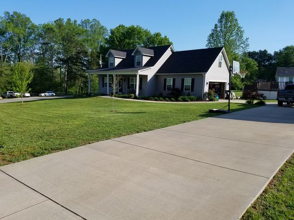 3 bed 2 bath Single Family at 1531 Lake Villa Cir Cookeville, TN, 38506 is for sale at 180k - 1 of 36