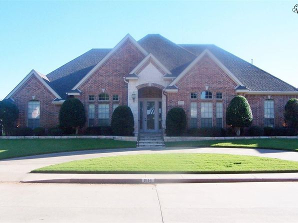 5 bed 4 bath Single Family at 1514 Tanglewood Dr Wichita Falls, TX, 76309 is for sale at 475k - 1 of 30