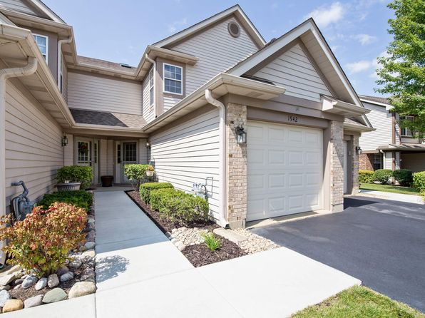 2 bed 3 bath Townhouse at 1942 Grove Ave Schaumburg, IL, 60193 is for sale at 189k - 1 of 10