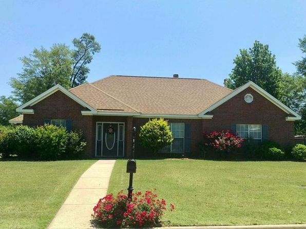 3 bed 2 bath Single Family at 368 Live Oaks Dr Millbrook, AL, 36054 is for sale at 200k - 1 of 27