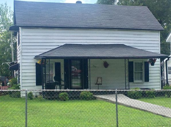 2 bed 1 bath Single Family at 302 Poplar St Lenoir City, TN, 37771 is for sale at 55k - 1 of 11