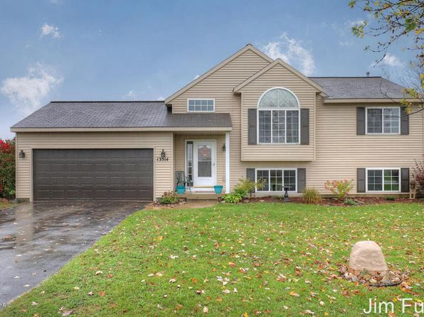 3 bed 1 bath Single Family at 13514 Becker Ct NE Cedar Springs, MI, 49319 is for sale at 175k - 1 of 26