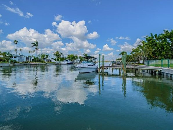 2 bed 2 bath Single Family at 530 Crystal Dr Madeira Beach, FL, 33708 is for sale at 459k - 1 of 25