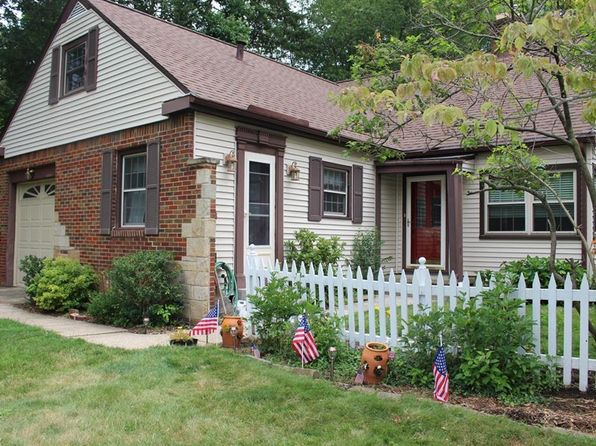 3 bed 2 bath Single Family at 363 Castle Blvd Akron, OH, 44313 is for sale at 165k - 1 of 26