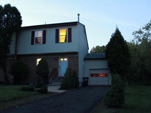 4 bed 3 bath Townhouse at 54 Bayberry Close Piscataway, NJ, 08854 is for sale at 370k - 1 of 6