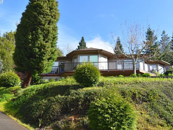 3 bed 3 bath Single Family at 1498 W 14th Pl Coquille, OR, 97423 is for sale at 320k - 1 of 31