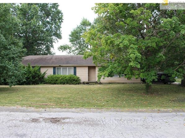 3 bed 2 bath Single Family at 300 E Burdick St Hamilton, MO, 64644 is for sale at 89k - google static map