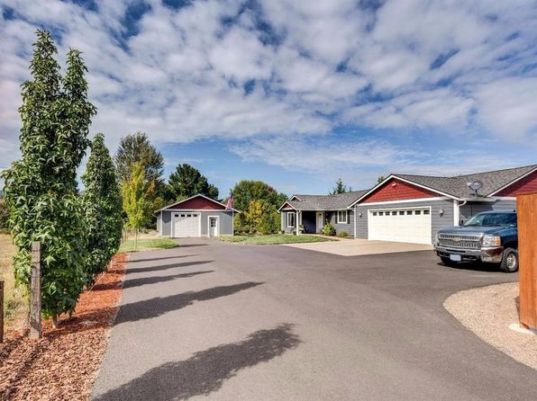 3 bed 2 bath Single Family at 3255 Snowy Butte Ln Central Point, OR, 97502 is for sale at 415k - 1 of 35
