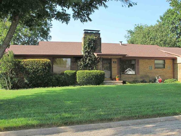 3 bed 2 bath Single Family at 1110 S Meadow Dr Ardmore, OK, 73401 is for sale at 160k - 1 of 24