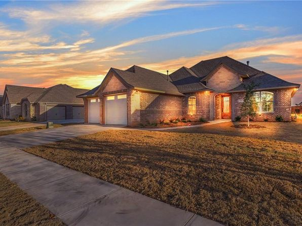 4 bed 2 bath Single Family at 314 Paddle Boat Dr Granbury, TX, 76049 is for sale at 295k - 1 of 36