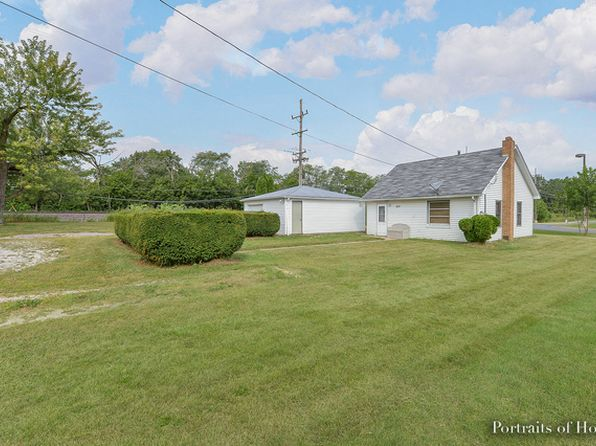 3 bed 1 bath Single Family at 601 Sullivan Rd North Aurora, IL, 60542 is for sale at 135k - 1 of 16