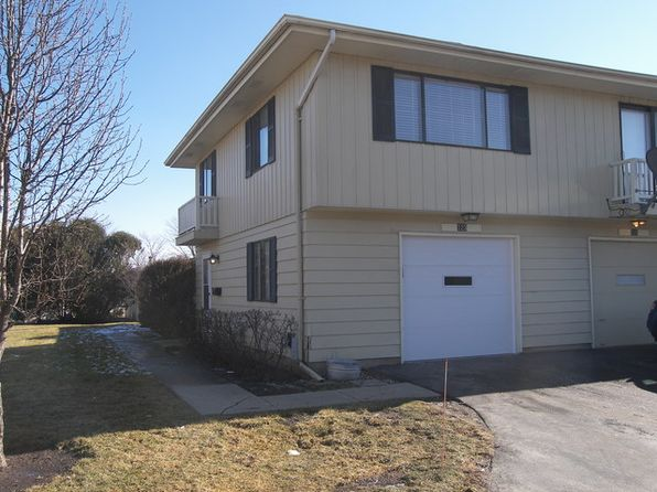 2 bed 1 bath Condo at 123 Millbrook Ln Schaumburg, IL, 60193 is for sale at 160k - 1 of 14