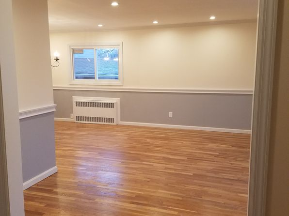 4 bed 2 bath Single Family at 21610 121st Ave Jamaica, NY, 11411 is for sale at 650k - 1 of 16