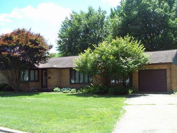 3 bed 2 bath Single Family at 521 E Wall St Morrison, IL, 61270 is for sale at 130k - 1 of 16