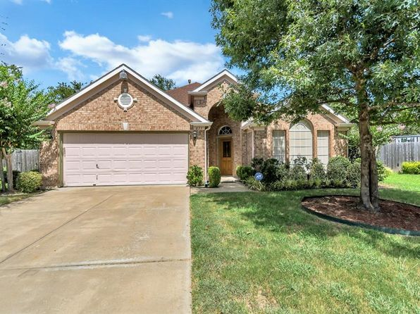 3 bed 2 bath Single Family at 633 Oakbrook Dr Burleson, TX, 76028 is for sale at 269k - 1 of 15