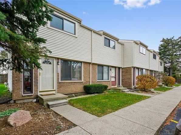 2 bed 2 bath Condo at 1668 Wimbledon Dr Walled Lake, MI, 48390 is for sale at 130k - 1 of 13
