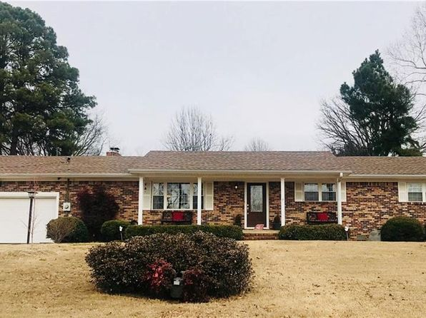3 bed 4 bath Single Family at 529 W 8th St Booneville, AR, 72927 is for sale at 104k - google static map