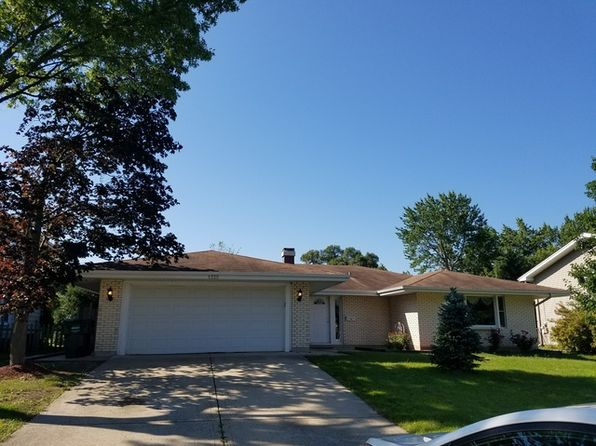 3 bed 3 bath Single Family at 1325 Nottingham Ln Hoffman Estates, IL, 60169 is for sale at 330k - 1 of 28