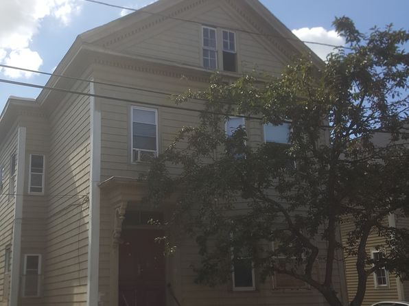 4 bed 2 bath Multi Family at 44 Dartmouth Ave Providence, RI, 02907 is for sale at 135k - google static map
