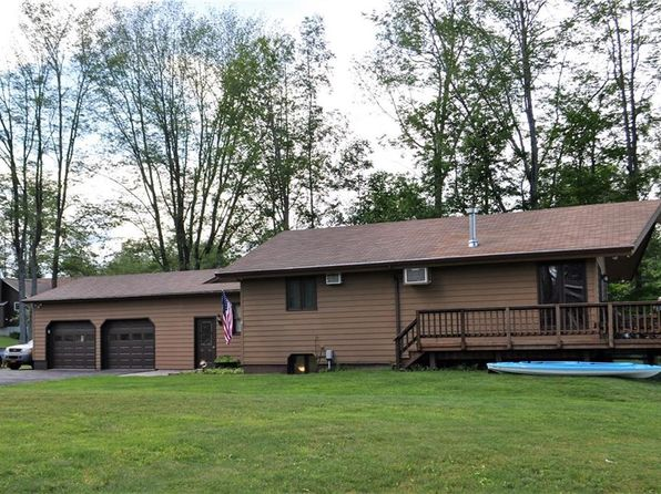 3 bed 2 bath Single Family at 10 Pendergast Rd Phoenix, NY, 13135 is for sale at 195k - 1 of 13