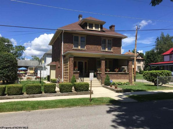 4 bed 2 bath Single Family at 17 Locust St Elkins, WV, 26241 is for sale at 128k - 1 of 20