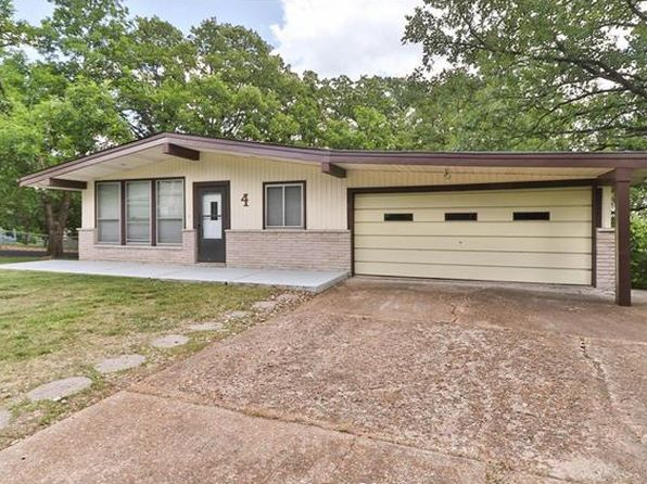 2 bed 3 bath Single Family at 4 Glenwood Dr Fenton, MO, 63026 is for sale at 145k - 1 of 43