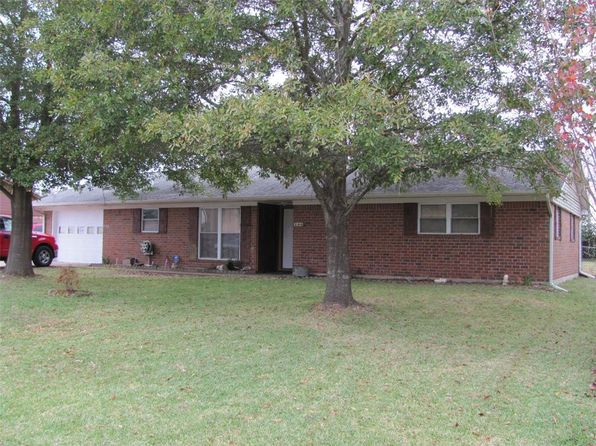 3 bed 2 bath Single Family at 206 Gerald St Willis, TX, 77378 is for sale at 140k - 1 of 27