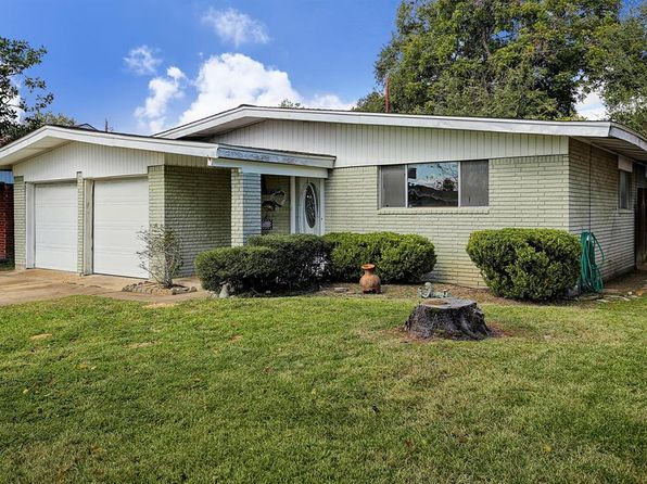 3 bed 2 bath Single Family at 2607 Grape Ln Pasadena, TX, 77502 is for sale at 167k - 1 of 10