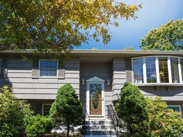 4 bed null bath Single Family at 3 Fairway Dr E Middleton, MA, 01949 is for sale at 529k - 1 of 25