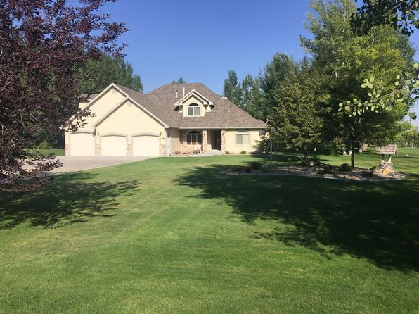 4 bed 3 bath Single Family at 1112 S Desert Rock Rd Rexburg, ID, 83440 is for sale at 319k - 1 of 17