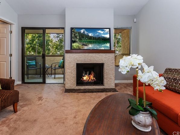 2 bed 2 bath Condo at 21500 Califa St Woodland Hills, CA, 91367 is for sale at 399k - 1 of 26