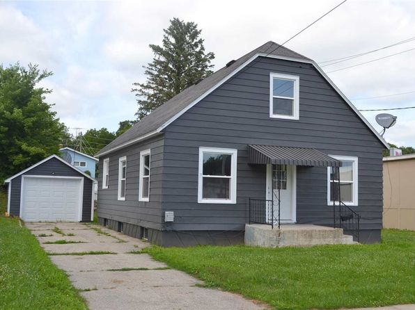 4 bed 1 bath Single Family at 204 Iowa Ave Decorah, IA, 52101 is for sale at 124k - 1 of 13