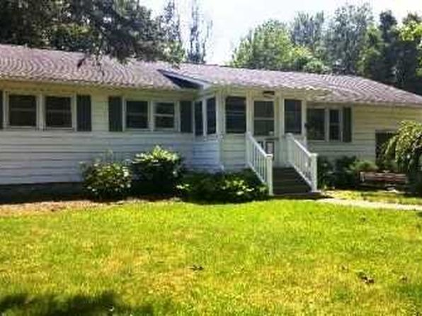 3 bed 1 bath Single Family at 14 Appletree Dr Rhinebeck, NY, 12572 is for sale at 213k - 1 of 14