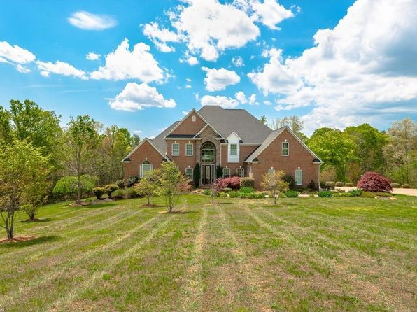 5 bed 3.5 bath Single Family at 4422 Old US Highway 421 E Yadkinville, NC, 27055 is for sale at 499k - 1 of 25
