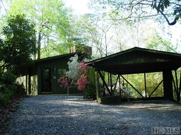 2 bed 2 bath Single Family at 218 Hickory Ln Lake Toxaway, NC, 28747 is for sale at 120k - 1 of 23