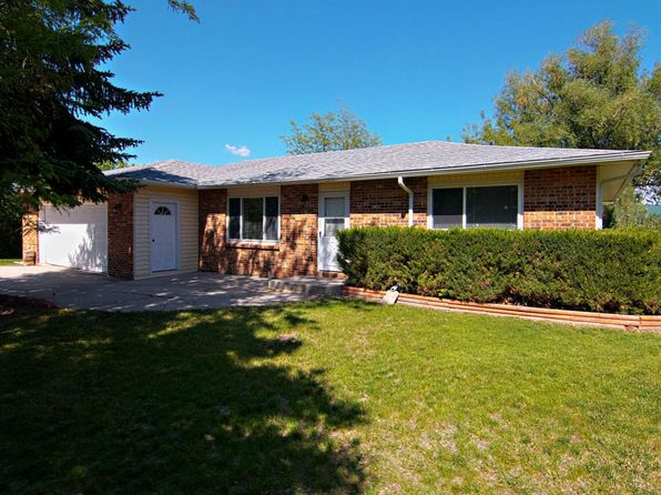 3 bed 1.75 bath Single Family at 61 American Ln Gillette, WY, 82716 is for sale at 179k - 1 of 32