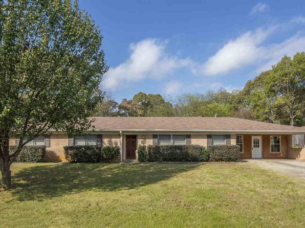 3 bed 2 bath Single Family at 3207 Teer Ln Longview, TX, 75604 is for sale at 165k - 1 of 23