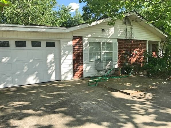 3 bed 1 bath Single Family at 205 Lillie Way Brunswick, GA, 31525 is for sale at 115k - 1 of 9