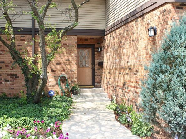 2 bed 3 bath Condo at 930 Pilgrim Pkwy Elm Grove, WI, 53122 is for sale at 219k - 1 of 15