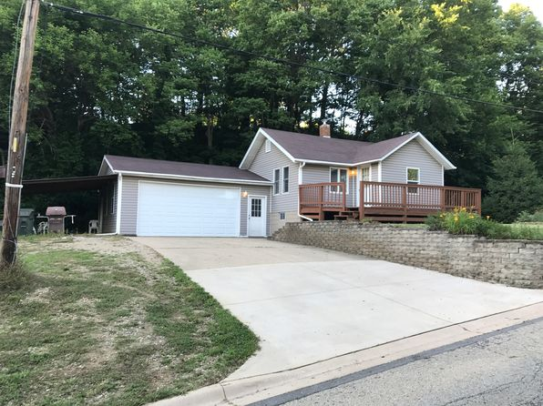 2 bed 2 bath Single Family at 901 Bloomington Rd East Peoria, IL, 61611 is for sale at 120k - 1 of 33