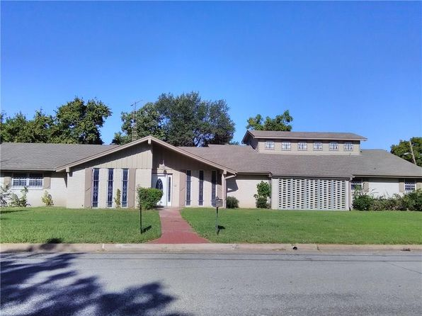 3 bed 3 bath Single Family at 2608 Utilis St Greenville, TX, 75401 is for sale at 135k - 1 of 27